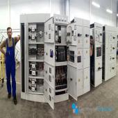 В наших УКН можно даже спрятаться! Работа кипит - сегодня в центре внимания вводно-распределительные шкафы УКН. Разве не красота? ᅠ #системныерешения #укн #вводнораспределительноеустройство #электротехническоеоборудование #электромонтаж #смоленск #москва