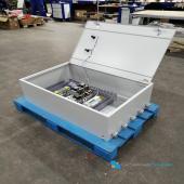 Шкаф АВР 100А на 2 ввода предназначен для автоматического переключения питания цепей освещения и силового оборудования с основного ввода на резервный в случае возникновения аварийных ситуаций на основном вводе. Возврат к питанию от основного ввода происходит также автоматически при устранении аварийной ситуации.  Применяется в трехфазных сетях переменного тока напряжением 380/220В частотой 50Гц. Обеспечивают защиту потребителей от перегрузок и токов короткого замыкания. Индикация осуществляется с помощью сигнальных ламп. Щит выполнен на базе корпуса металлического со степенью защиты IP54.  Щиты АВР обеспечивают: - Постоянный контроль наличия напряжения в цепях основного и резервного источников питания. - Непрерывное сравнение текущих значений напряжения основного и резервного источников питания с заранее заданными максимальным и минимальным допустимыми значениями отклонения напряжения от номинального. - Постоянный контроль правильности чередования фаз основного и резервного источников сетевого питания. - Автоматическое восстановление электропитания потребителей электрической энергии путем присоединения резервного источника питания за время менее 1 сек, в случаях пропадания напряжения основного источника питания, выходе его за заданные пределы или изменения чередования фаз. - После восстановления основного источника питания щит АВР с заданной выдержкой времени обеспечивает восстановление до-аварийной схемы питания электроустановок потребителя. - По команде оператора осуществление отказа от использования основного или резервного питаний. - Визуальный контроль наличия напряжений основного и резервного вводов, включения контакторов, коммутирующих на нагрузку основной, либо резервный источники питания, а также нарушения фазировки сетевых напряжений. Производство от 3 дней. #системныерешения #электротехническоеоборудование #качество